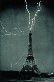 Eiffel Tower Lightning Strike Picture on Lightning Bolts By Eiffel Tower Jpg