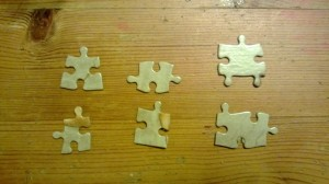 A selection of standard puzzle pieces with different shapes